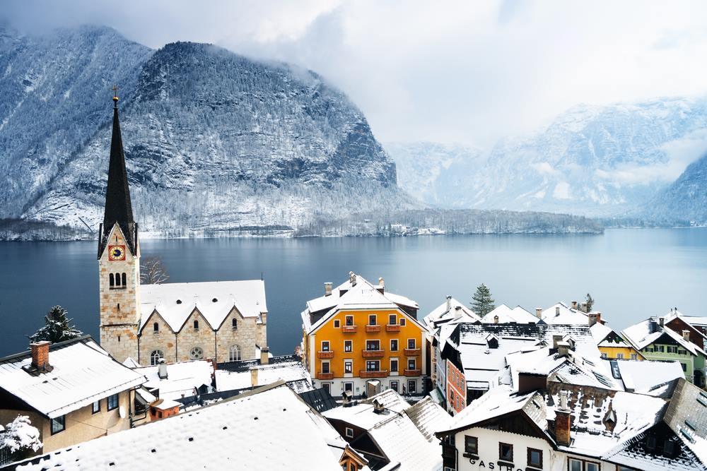 Λίμνη Μπλεντ – Ένα κινηματογραφικό resort με φόντο τις Αλπεις